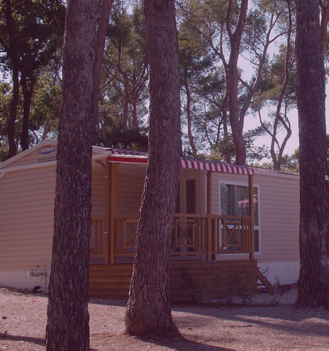 Locations de mobil-home, Aix en Provence, installations soignées & entretenues